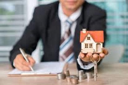 Avant de vendre, par qui faire estimer sa maison ?