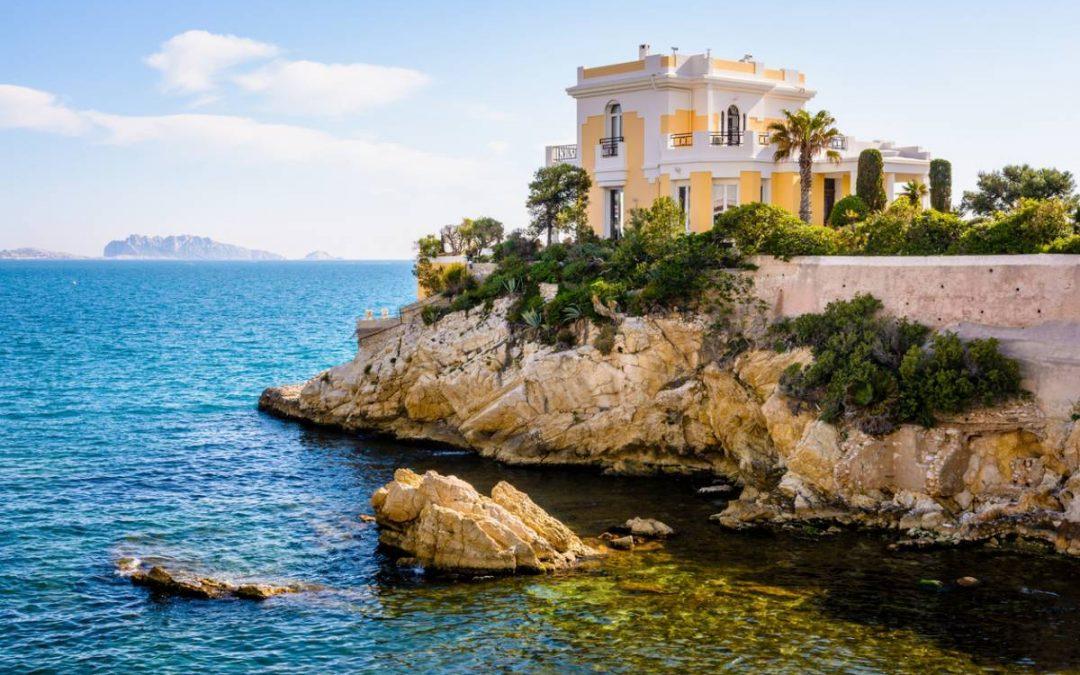 Villas de luxe et Côte d'Azur : les critères du rêve